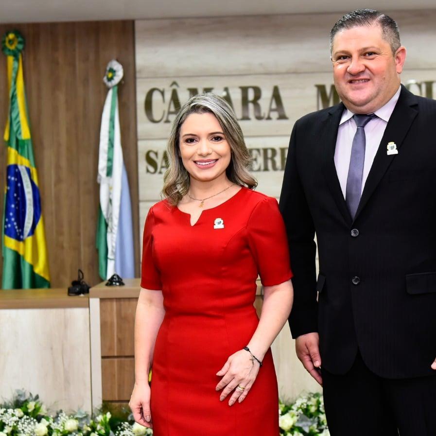 KARLA GALENDE É EMPOSSADA PREFEITA DE SANTA TEREZINHA DE ITAIPU!
